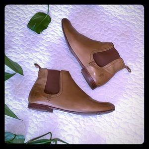 frye jillian chelsea boots, size 6.6